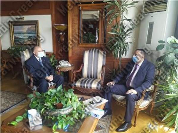 اجتماع وزير الرى مع محافظ الدقهلية قبل الإعلان عن اصابته بفيروس كورونا ببضعة ساعات