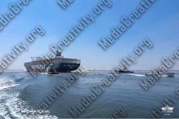 عبور السفينة البنمية ايفر جيفن قناة السويس